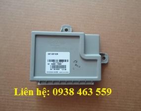 958007N800 Hộp điều khiển kính hyundai xcient